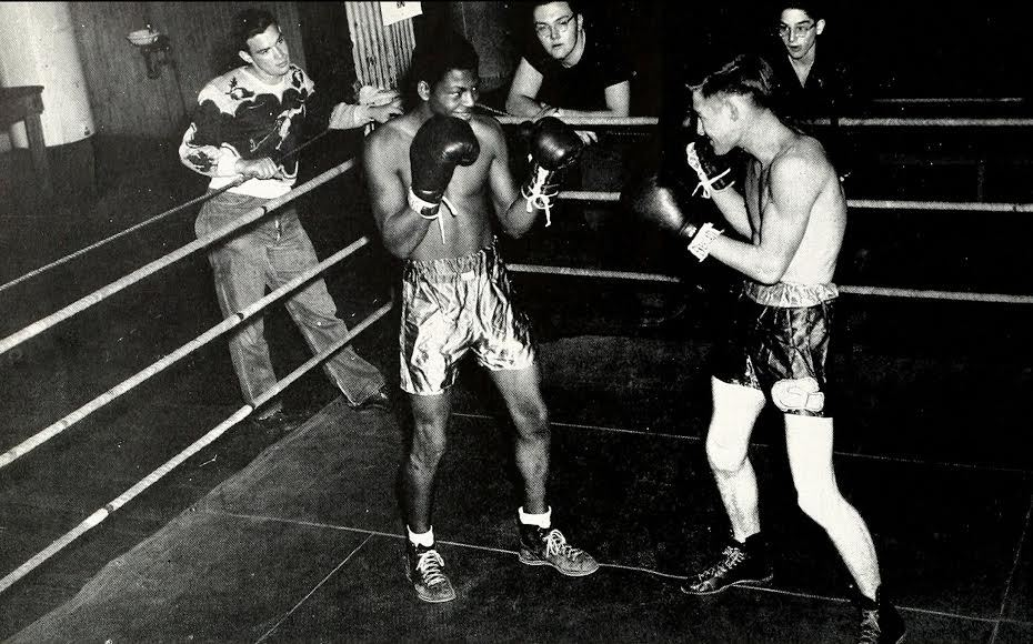Boxing at Boys and Girls Club 1950.jpg