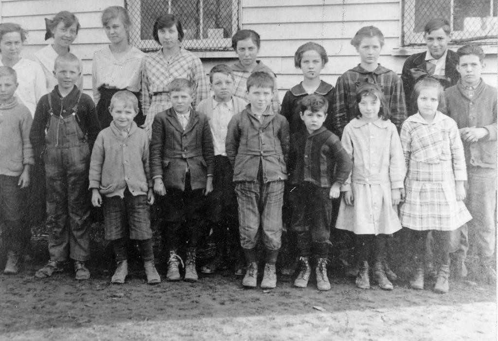 Braden School in 1916. - from Frieda Duchaine, bw 4.92x3.37