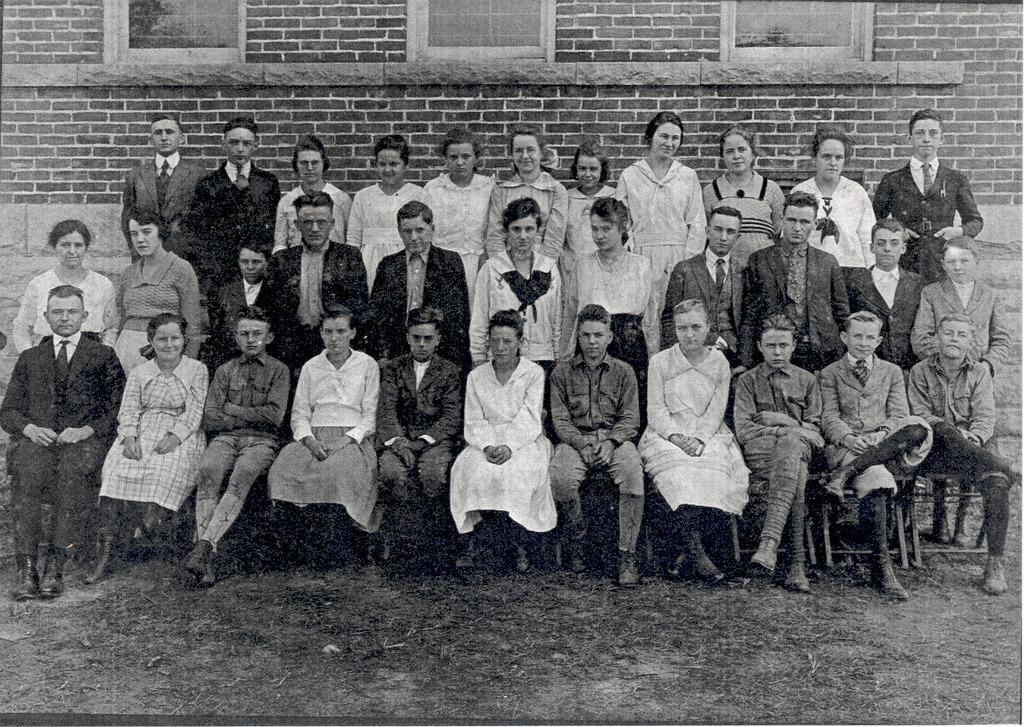 Medora High School, 1922. - from Paul Carr, bw 7x5