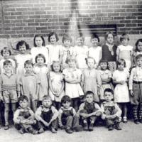 Medora students, ca 1934 - from Paul Carr, bw 7.63x4.25